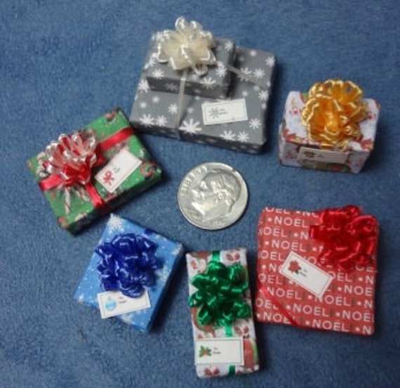 Six Assorted Miniature Christmas Packages set 186
