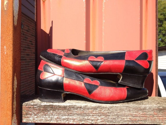 Awesome 80s vintage leather red and black queen of hearts loafers