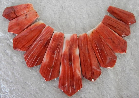 """SALE  SALE  Smooth Polished Spiny Oyster Shell Fan Pointed End Shaped 4"""" Graduated  Strand Beautiful Deep Coral  11 Piences"""