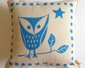 owl cushion in organic cotton in aqua blue