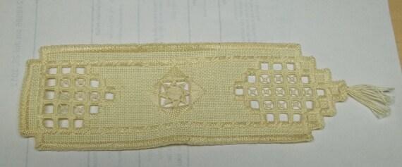 vintage beige handmade lace bookmark