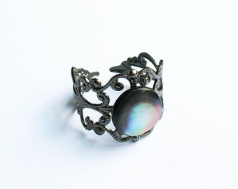 Mother-of-Pearl Ring  - Gunmetal Vintage-Style Filigree Ring with a Black Mother-of-Pearl Cabochon
