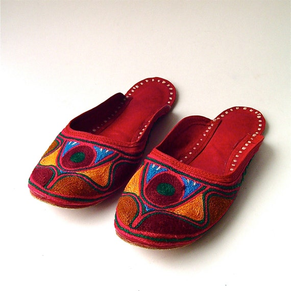 Eastern vintage Ethnic Embroidered Red Leather Slippers