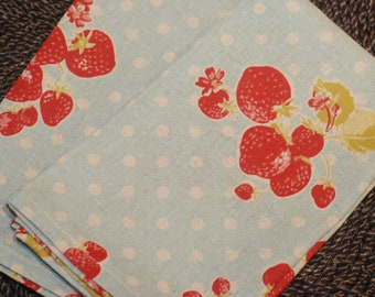 Set of 4 Handmade Linen Cotton Cloth Dinner Napkins Eco Friendly Strawberries and Dots Print