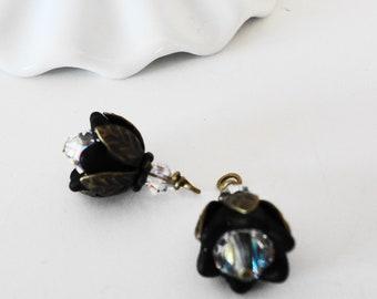 FREE SHIP Black Lucite Blossom charms