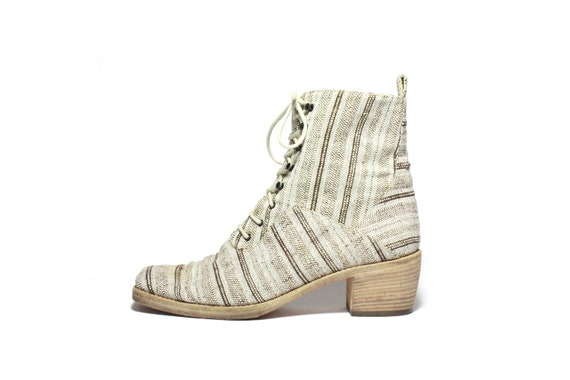 VTG Italian Canvas Patterned Lace Up Ankle Boot 7