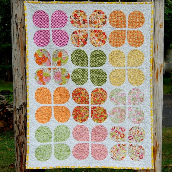 Retro Flowers Baby Quilt - READY TO SHIP