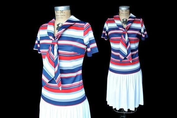 1960s Day Dress / nautical sailor dress / S-M