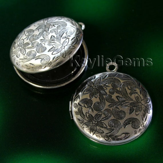 Round Locket Hand Touched Antique Silver Floral Victorian 26mm - LKRS-L26AS - 4pcs