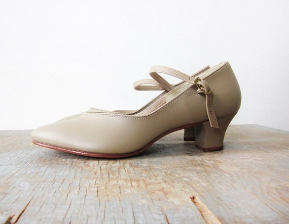 taupe mary janes / vintage 80 pumps / 1980s tap shoes