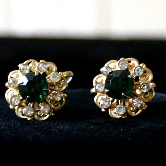 Vintage Clear and Emerald Green Colored Rhinestone Screw Back Earrings Fabulous