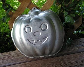 Vintage Wilton Pumpkin Jack o Lantern Autumn Halloween aluminum Mold