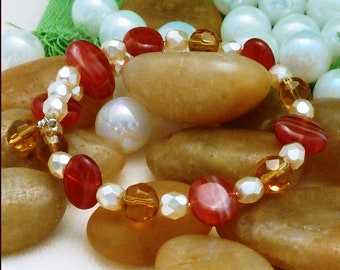 Bracelet of red/gold/cream Czech beads, large, memory wire