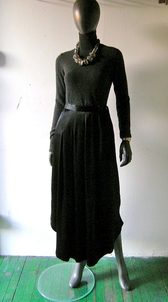 Paul Costelloe formal evening skirt -scalloped skirt - size 10 US UK 14 - formal fashion chic