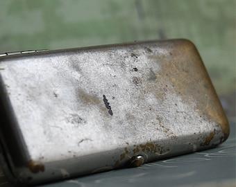vintage little metal box... Dec 10