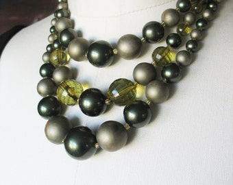 Pearl Necklace Forest Olive Green Glass Lucite 1950's