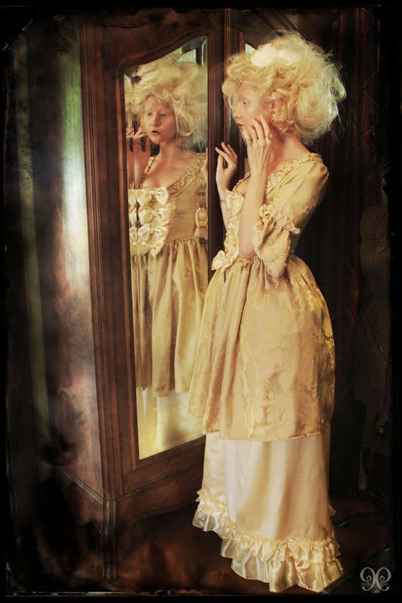 buttercup yellow Marie Antoinette rococo Victorian inspired dress fits waist 26 to 28 inches comes with hips