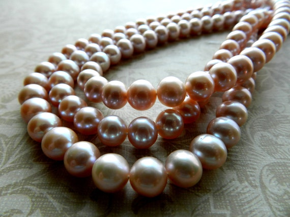 All natural lustrous round freshwater pearl- 7.5-8mm- 8 inch