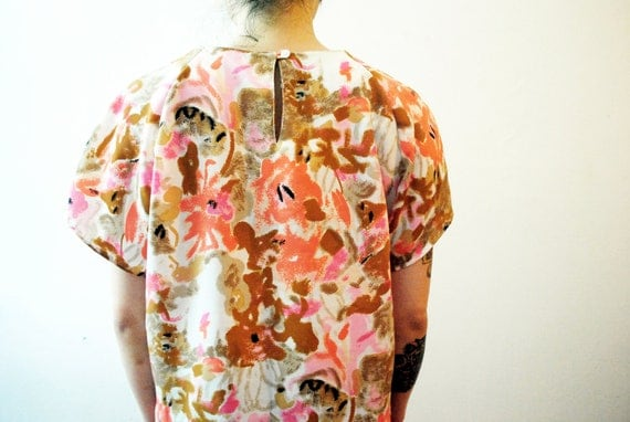 80s Glowing Desert Garden Abstract Floral Art Blouse. Boxy, Drapey & Smooth.