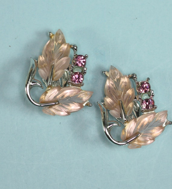 Vintage Frosted Pink Leaves Earrings Fuchsia Rhinestones Clips