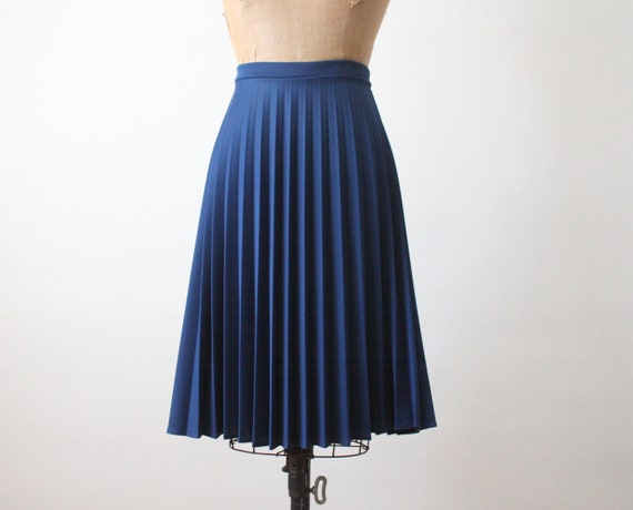 1970's navy blue accordion pleated skirt