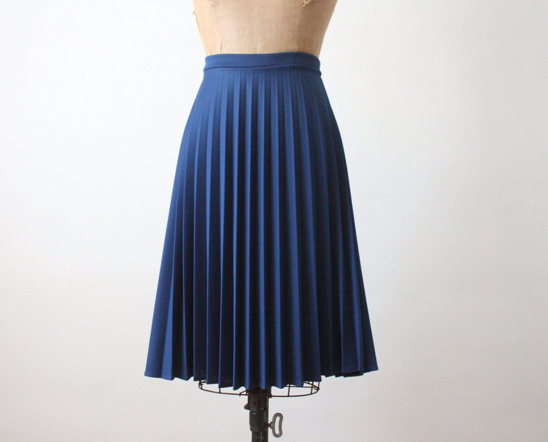 Midi length skirt how to wear