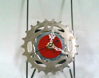 Recycled Bicycle Sprocket & Spoke Desk Clock - Silver and Red with Black Spokes.