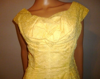 """Hustle and BUSTLE - Vintage 40's - Embroidered - Yellow - Tulle over Taffeta - Portrait Collar - BUSTLE - Maxi - Dress - 40"""" bust"""