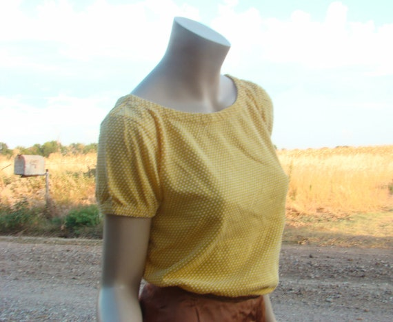 SALE Yellow Dots Peasant Blouse- 1970's Knit- Puffy Sleeves- Small
