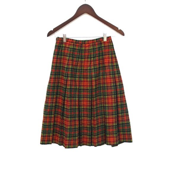 60s Pleated Wool Skirt Plaid, Vintage Murr's Wool Skirt Red Olive Green, Black Plaid size small 25 26 waist      inch waist