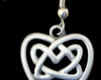 ER-17 Celtic Knot in Heart Earring