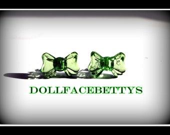 Retro Green Bow Earrings...Treasure Worthy....Free U.S. Shipping