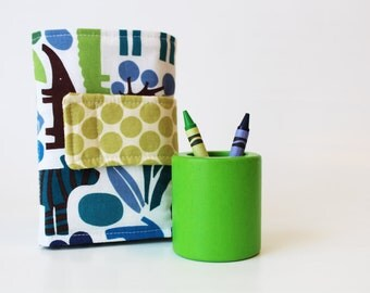 Crayon Wallet - 2D Zoo in Blue Edition - A Montessori and Waldorf Inspired Travel Toy for Self Guided Art