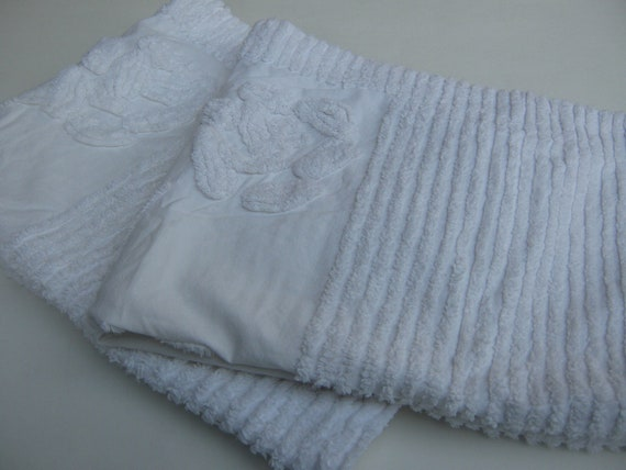 Vintage White Chenille Pillow Shams Romantic Shabby Chic 3pcs