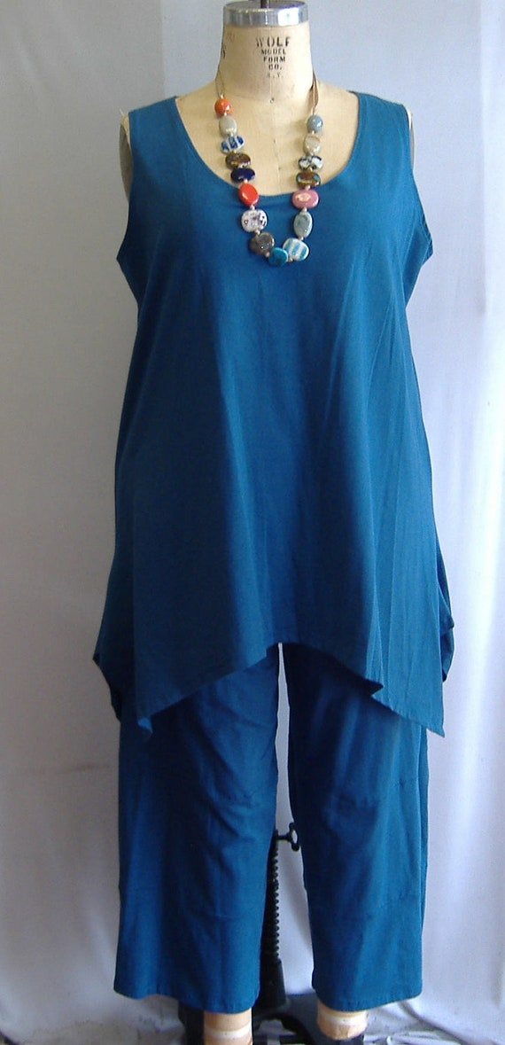 Coco and Juan Lagenlook Plus Size Peacock Blue Knit Angled Tank Top Size 1 fits 1X,2X Bust  to 52 inches