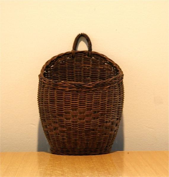 Hanging Wall Basket - Vintage - JV