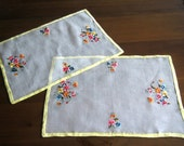 RUNNER Set Table SCARF Vintage  White Embroidery Place Mats Embroidered Organdy LINEN Pair