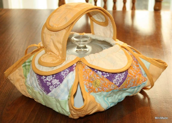 Casserole Carrier, Quilted Tote, Eco-friendly Upcycled Quilt