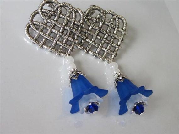 Flower Earrings,  Sapphire,  Blue,  Celtic Jewelry,  Lucite Flowers,  Antiqued Silver,  Heart Shaped Chandelier, Celtic Wedding Jewelry
