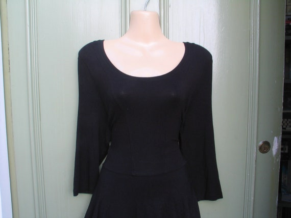 Lovely scoop-necked 1990s goth dress with 3/4 sleeves and tiered skirt