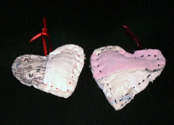 HEARTS Pair, Vintage, Cutter, Mended, Log Cabin, Pink Black White, Wreaths, Package Tie On, History, 2 inches