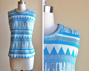 Sleeveless Abstract Top in Blue and White - sz L