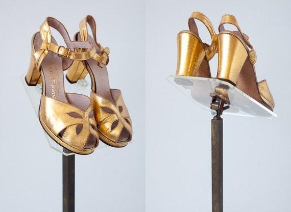 vintage 1920s heels / vintage 20s golden flapper heels / vintage 1920s shoes