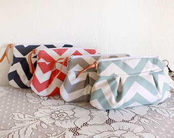 Bridesmaid Chevron Pleated Wristlet / Clutch / Chevron stripe // Cotton Set of 4--MADE TO ORDER--