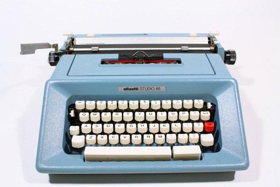 Vintage Green Underwood Olivetti Studio 46 Portable Typewriter