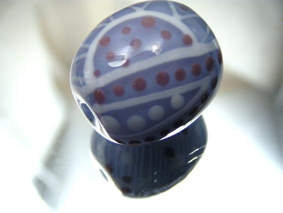 Moogin - pale lilac oval batik style lampwork focal bead - SRA
