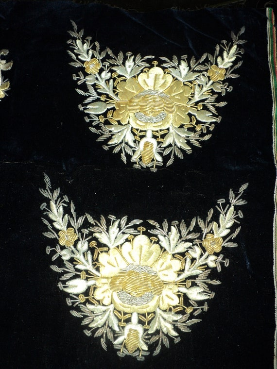 Antique 19th C Bullion on silk velvet embroidery for antique shoes pattern original never used textile