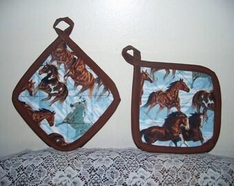 2 Horse Pot Holders