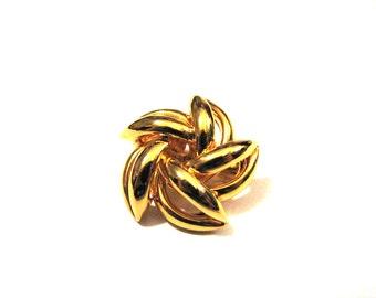 Vintage Gold Tone Puffy Swirled Filigree Star Pin Brooch