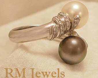 Italian Black and White Pearl 14Kt White Gold Estate Ring